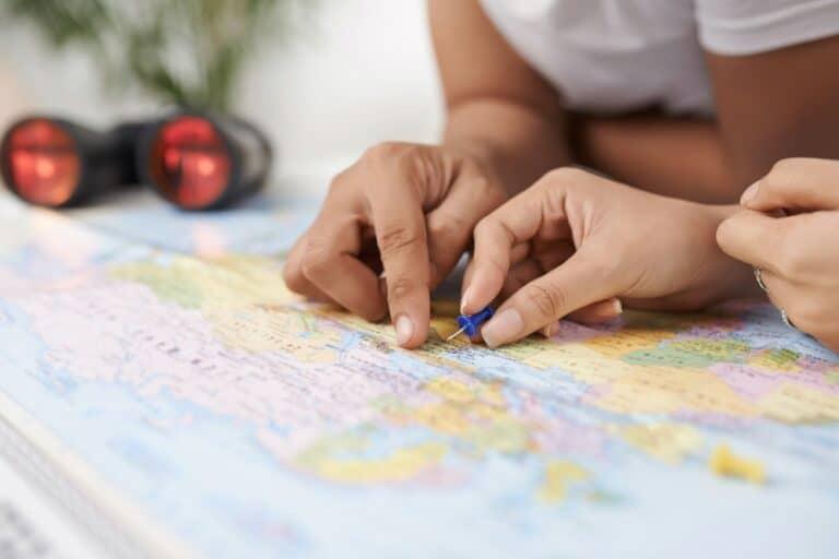 Viaggi a sorpresa: ecco il nuovo format Waynabox per le vacanze
