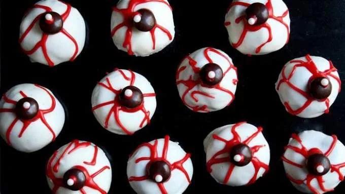 Come Preparare Occhi Sanguinanti di Halloween