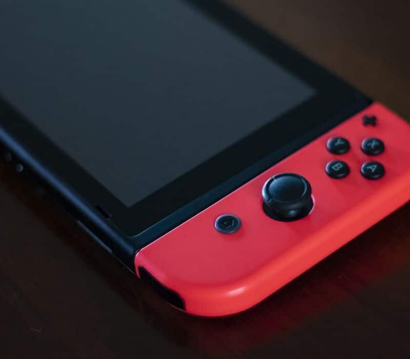 Come collegare Nintendo Switch alla TV senza HDMI: varie soluzioni